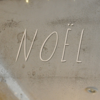 "White decal ""NOËL"", SHANNA MURRAY"