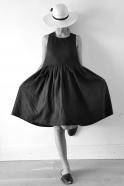 Robe à plis Uniforme, lin noir