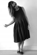 Uniform pleated dress, black linen