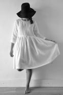 Robe à plis manches longues Uniforme, lin blanc