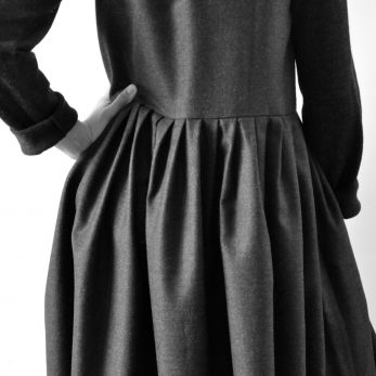 Robe à plis sans manches Uniforme, lainage gris