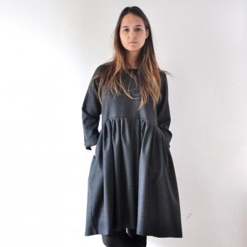 Robe à plis manches longues Uniforme, lainage gris