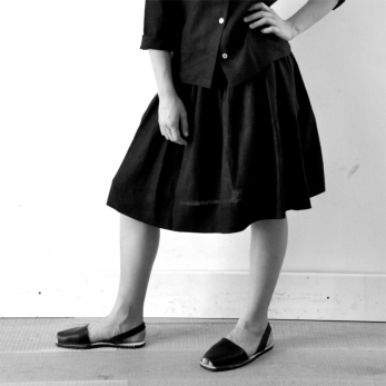 Uniform skirt, black linen