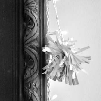 Christmas pompon SILVER - THE FABULOUS GARLANDS