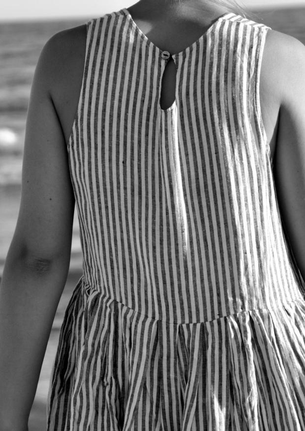 Robe à plis sans manches Uniforme, lin rayures claires
