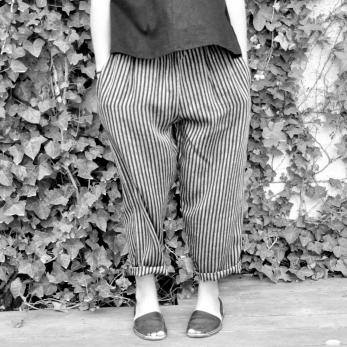 Pantalon Uniforme, lin rayures sombres
