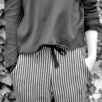 Uniform straight trousers, dark stripes linen