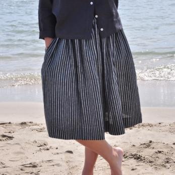 Uniform skirt, dark stripes linen