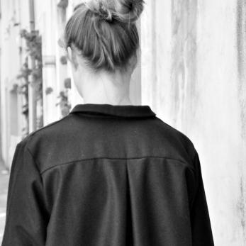 "Robe ""femme"", lainage noir"