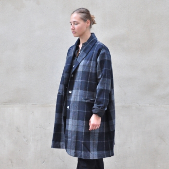"Coat ""woman"", tartan wool drap"