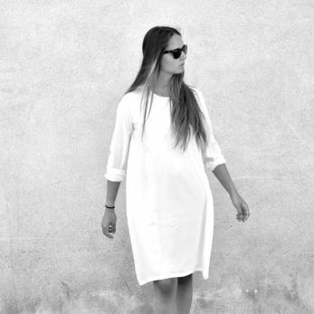 Flared dress, long sleeves, white silk