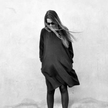 Flared dress, long sleeves, black silk