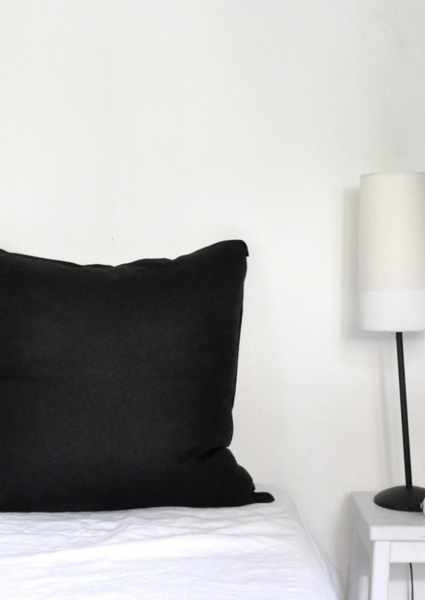 Pillow case, black linen