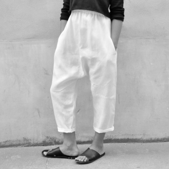 Uniform saroual, white linen
