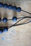 Wooden pearl necklace, indigo