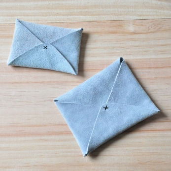Card holder ORIGAMI, light grey leather