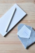 Porte carte ORIGAMI, cuir gris clair