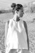 Sleeveless blouse, white linen