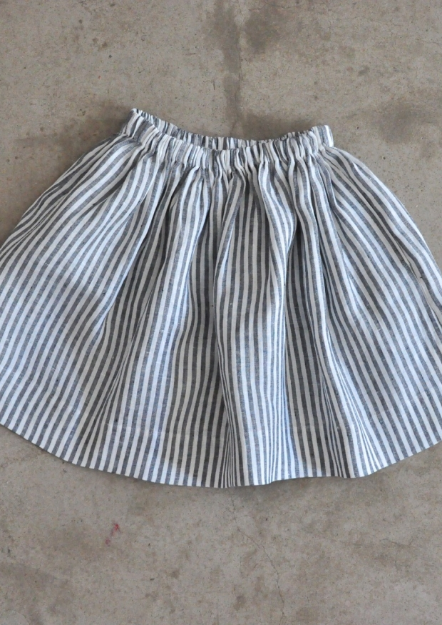Uniform skirt, light stripes linen