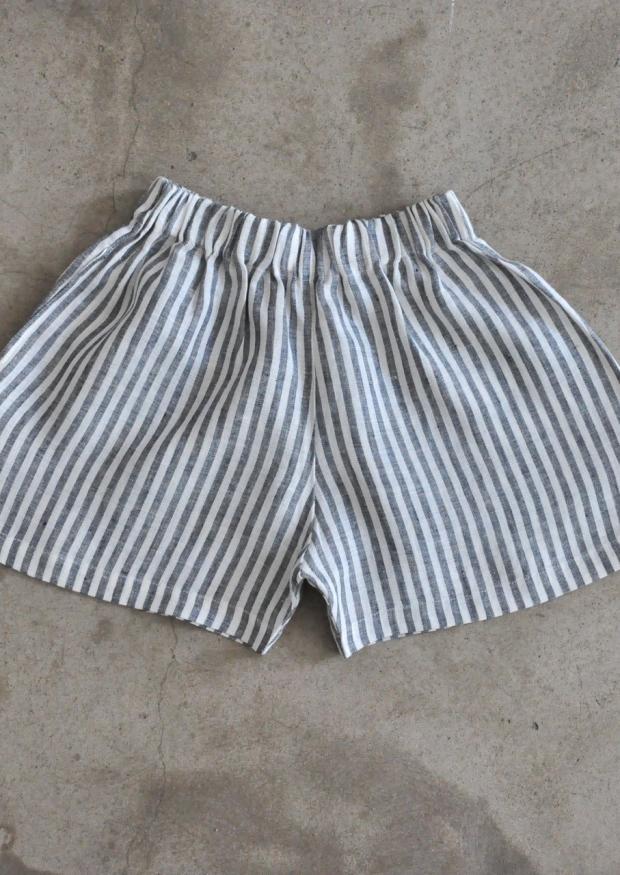 Uniform short, light stripes linen