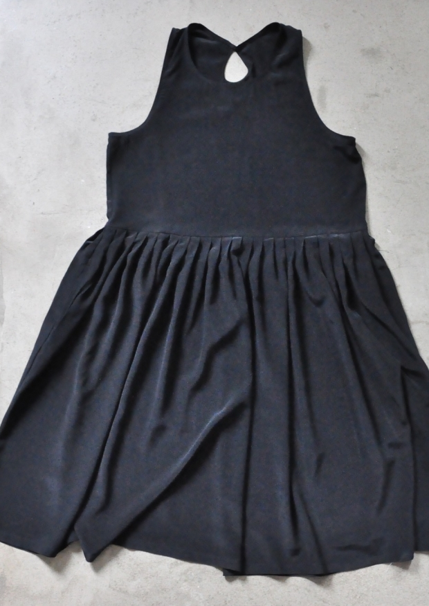Pleated dress, sleeveless, black silk