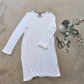 Flared dress, long sleeves, white bamboo
