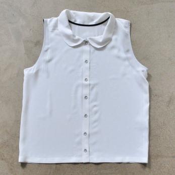 Sleeveless shirt, white silk