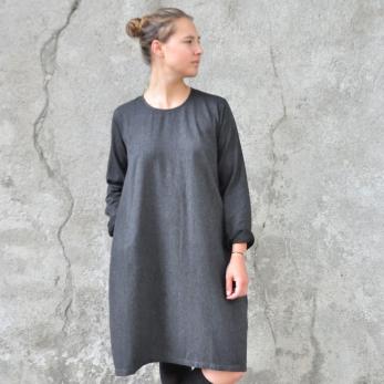 Robe évasée manches longues, lainage fin gris