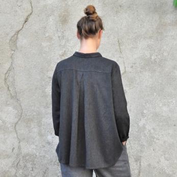 Chemise à plis, lainage fin gris