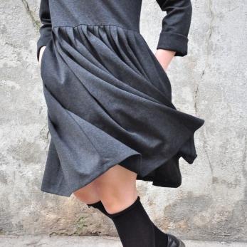 Pleated dress,  long sleeves, heather wool blend