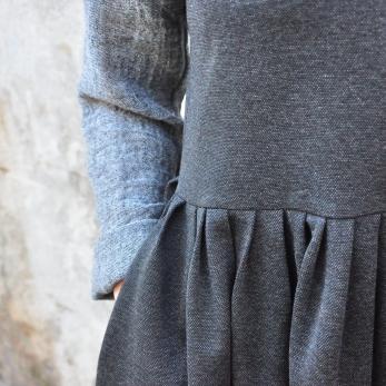 Pleated dress, sleeveless, heather wool blend