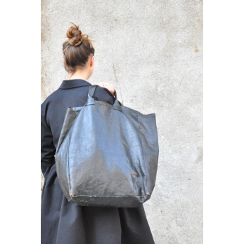 black leather bag, size 3, VDC for la Liane