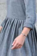 Robe à plis manches longues, maille gris clair