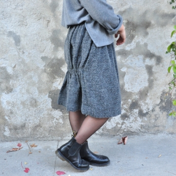 Faux-cul skirt, curly wool drap