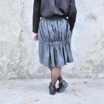 jupe faux-cul, lainage gris
