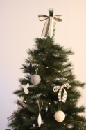 Christmas knot, white linen