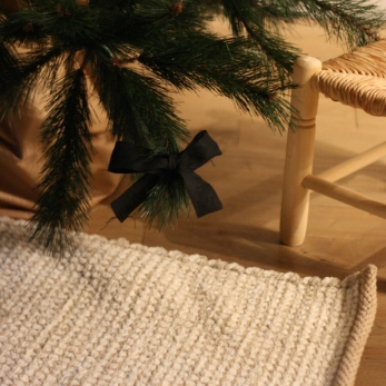 Christmas knot, black linen