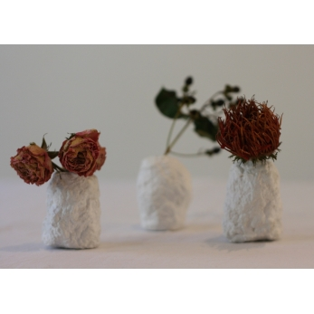 Set of 3 rosebud vases, white