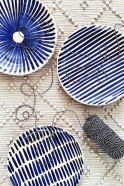 Striped plate blue