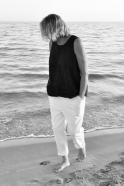 Sleeveless blouse, black linen