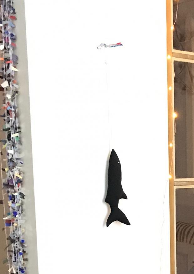 Mackerel to hang, black cotton