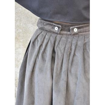 Jupe à plis, velours gris
