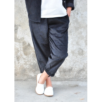 Classic trousers, black corduroy