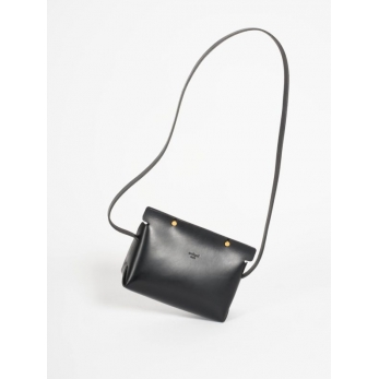 The shoulder strap triangle bag, black leather