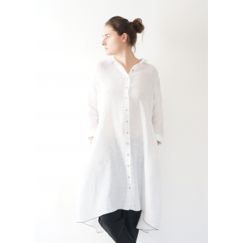 Long sleeves pleated shirt-dress, white linen
