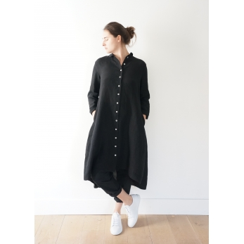 Long sleeves pleated shirt-dress, black linen