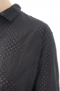 Robe-chemise à plis manches longues, coton ajouré noir