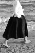 Bow skirt, black linen