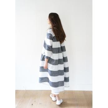 Long sleeves pleated shirt-dress, white stripes linen