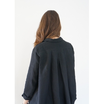 Long sleeves pleated shirt, black linen